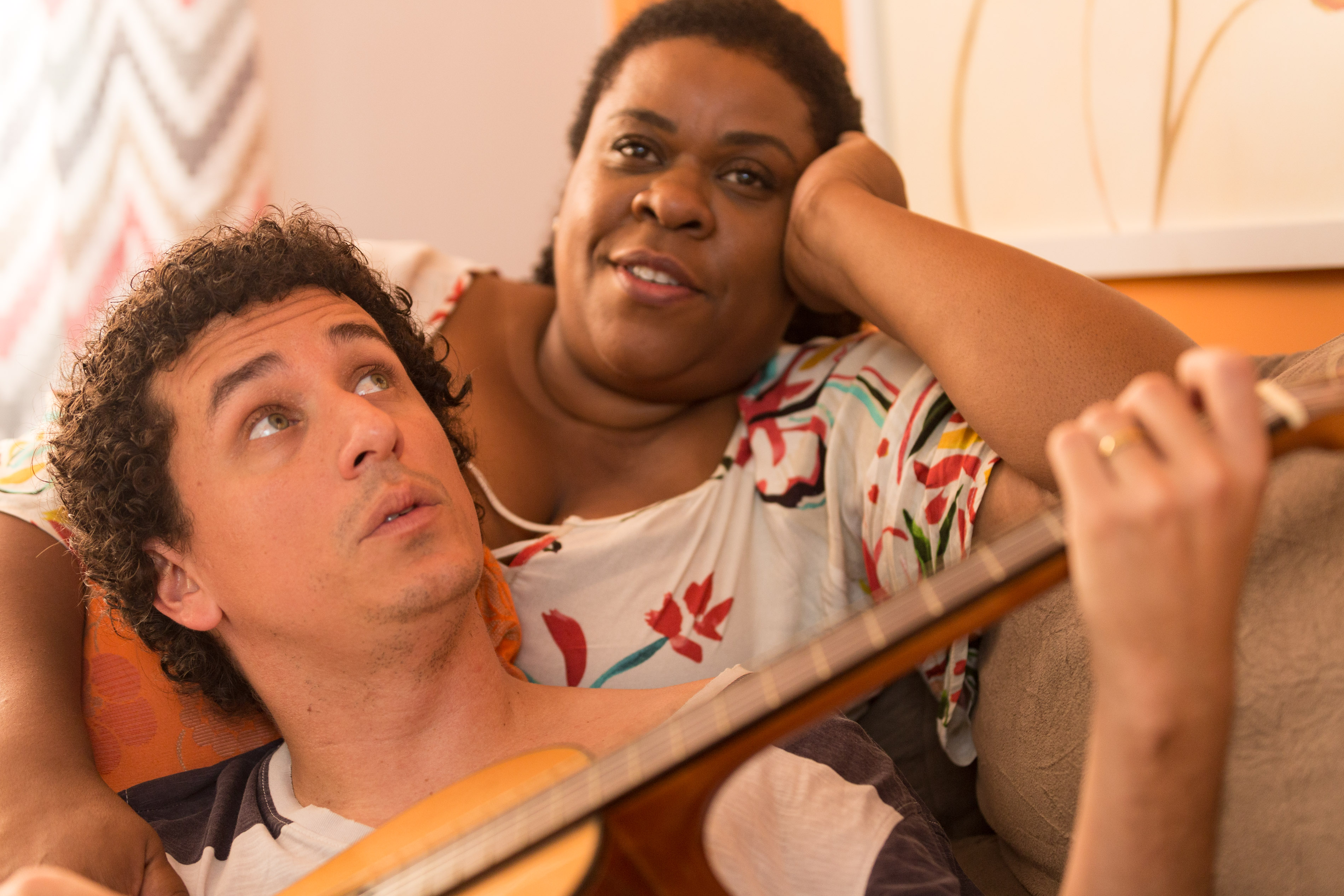 Comédia estrelada por Rafael Portugal e Cacau Protásio começa a ser rodada no Rio