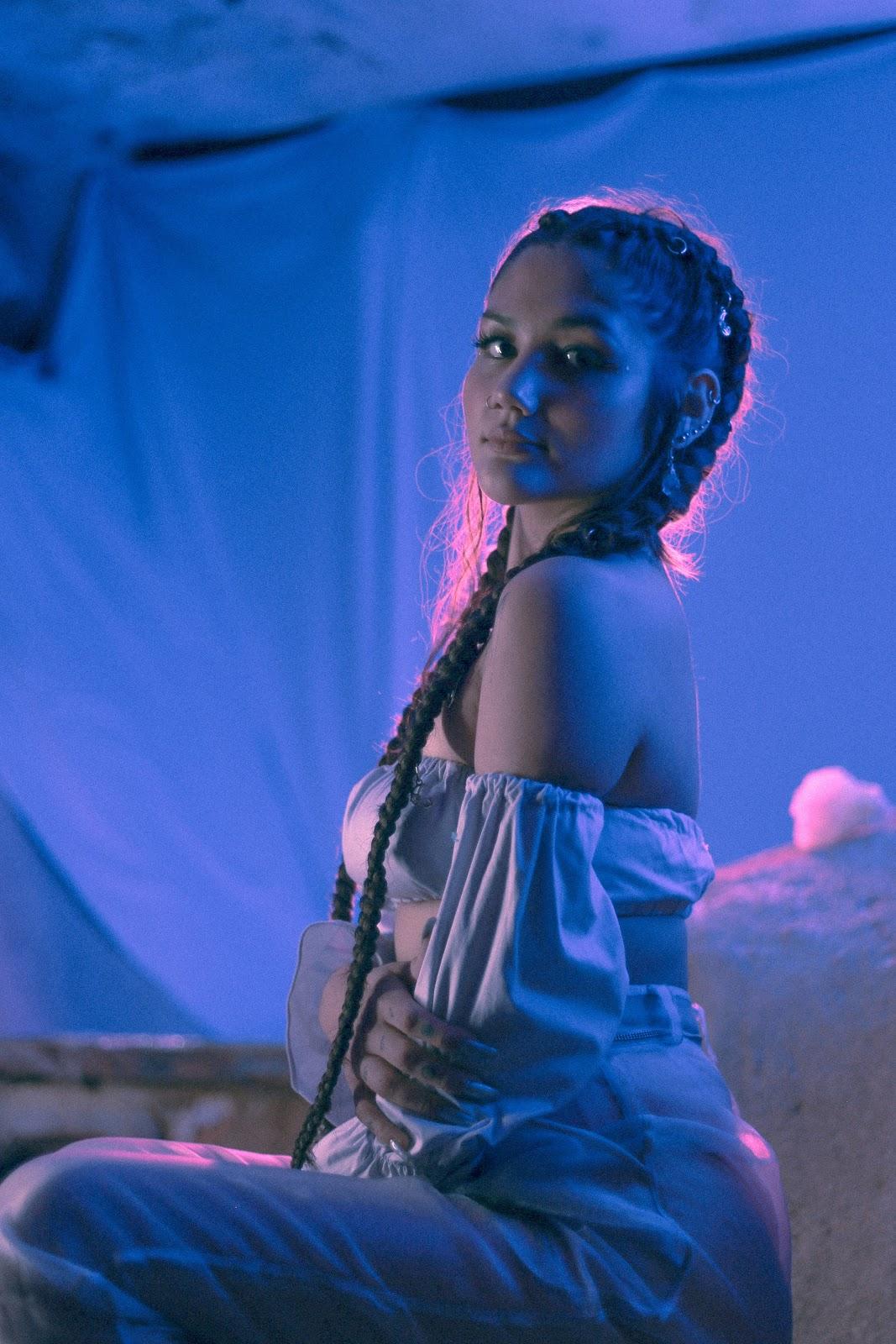 "Aposta da Warner Music Brasil, Lua une espiritualidade, pop e hip hop no single duplo ""Nova"""